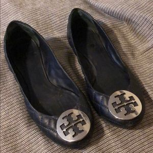 Tory Burch Quinn Quilted Ballet Flats in Navy